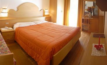 Hotel DOLOMITI_jednolůžkový pokoj single