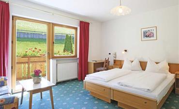 Hotel SEEHOF_dvoulůžkový pokoj s 1 přistýlkou