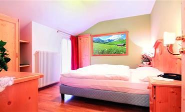 Hotely RULETA - VAL DI FASSA _dvoulůžkový pokoj