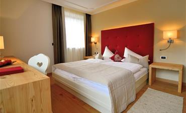Hotel BRUNNERHOF_dvoulůžkový pokoj s 1 přistýlkou