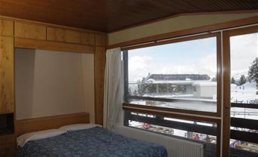 Hotel SPORTING_dvoulůžkový pokoj s 2 přistýlkami